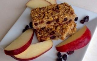 apple oatmeal raisin bar by .